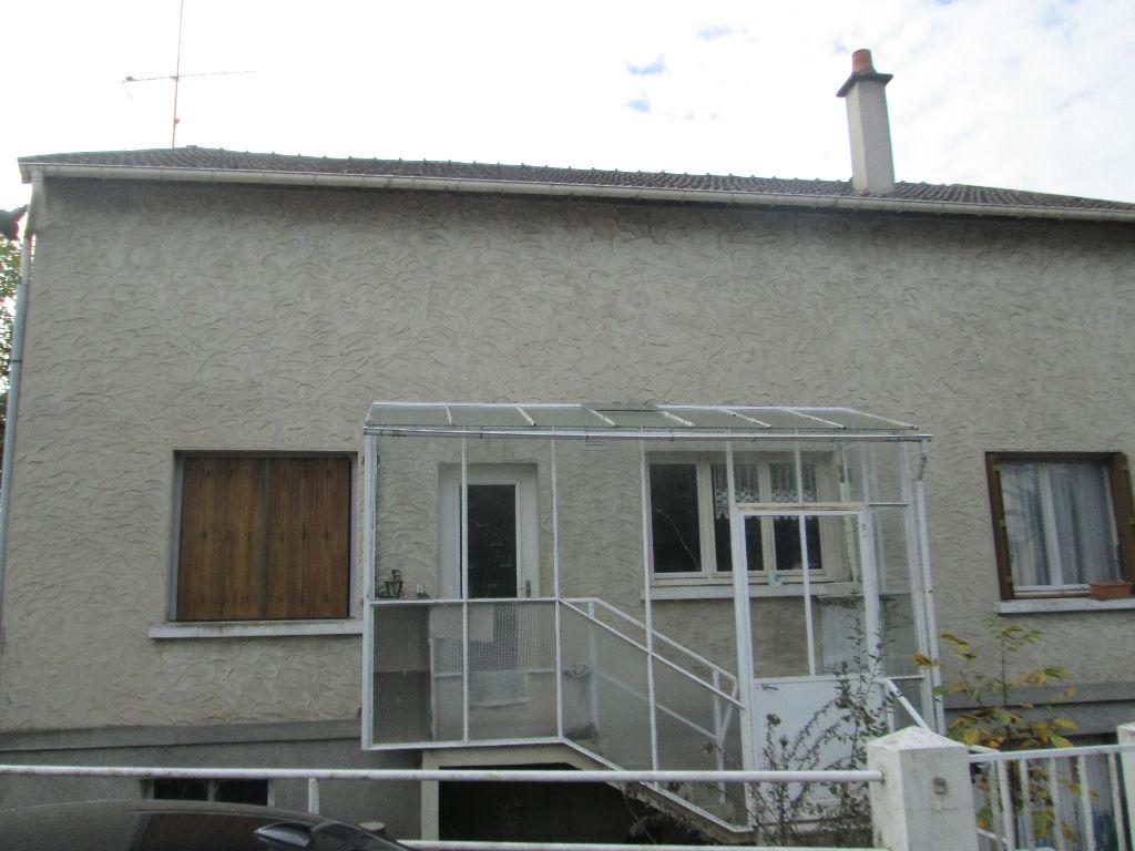 Maison 6 pièces - 4 chambres - VILLEFRANCHE SUR CHER