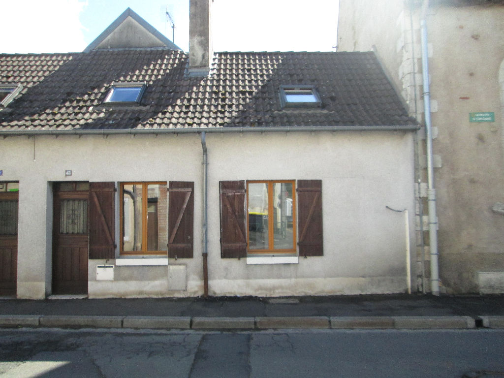 Maison 5 pièces - 3 chambres - ROMORANTIN LANTHENAY