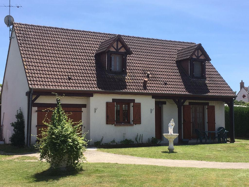 Maison 6 pièces - 3 chambres - LOREUX