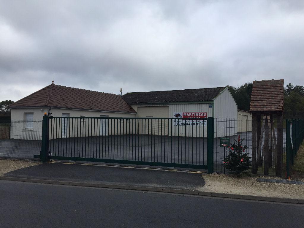 Local/bureau à vendre - Entrepôt / local industriel Selles Sur Cher