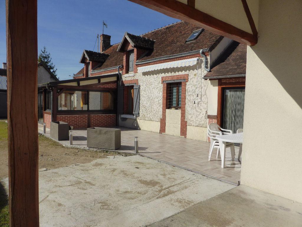Maison à vendre - Maison de caractère Sur la commune de La Chapelle Montmartin