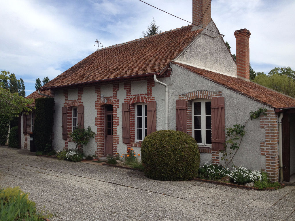 Maison 6 pièces - 4 chambres - MARCILLY EN GAULT