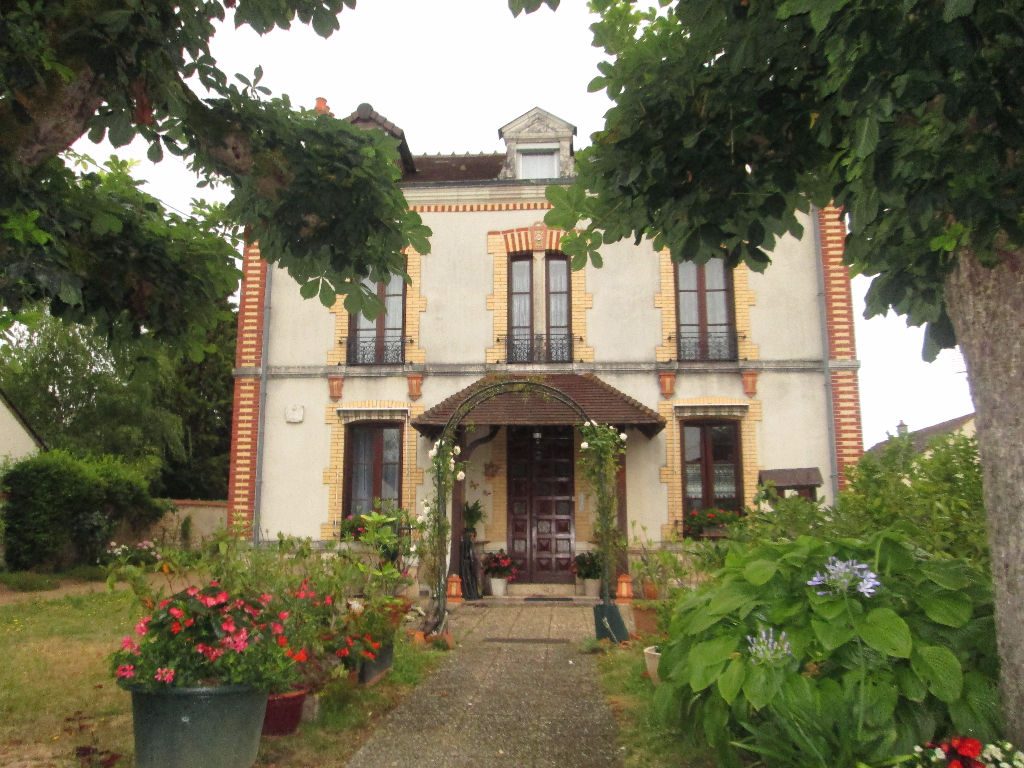 Maison à vendre - Maison Gievres 10 pièce(s) 175 m2