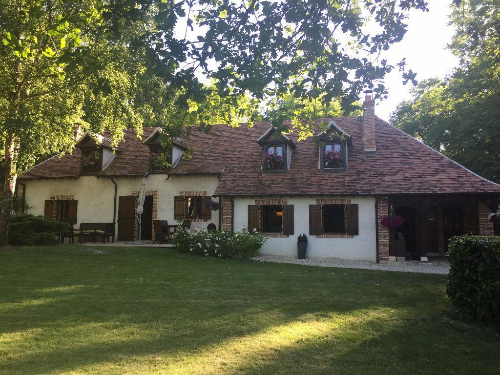 Maison 7 pièces - 4 chambres à vendre à EST SALBRIS