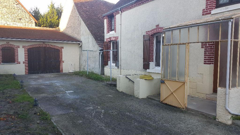 Maison 5 pièces - 3 chambres - VILLEFRANCHE SUR CHER