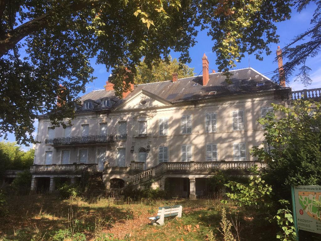 Maison  -  à vendre à ROMORANTIN LANTHENAY