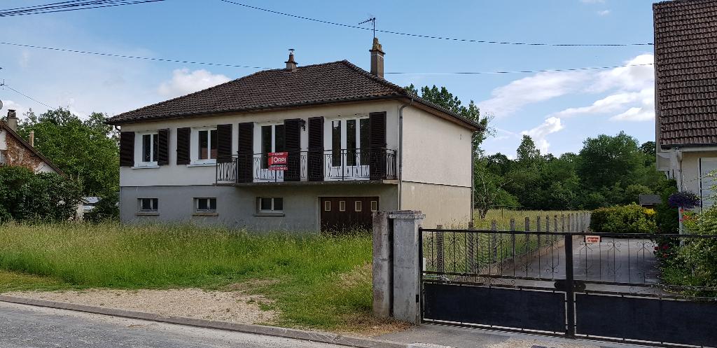 Maison 5 pièces - 3 chambres - LA FERTE IMBAULT
