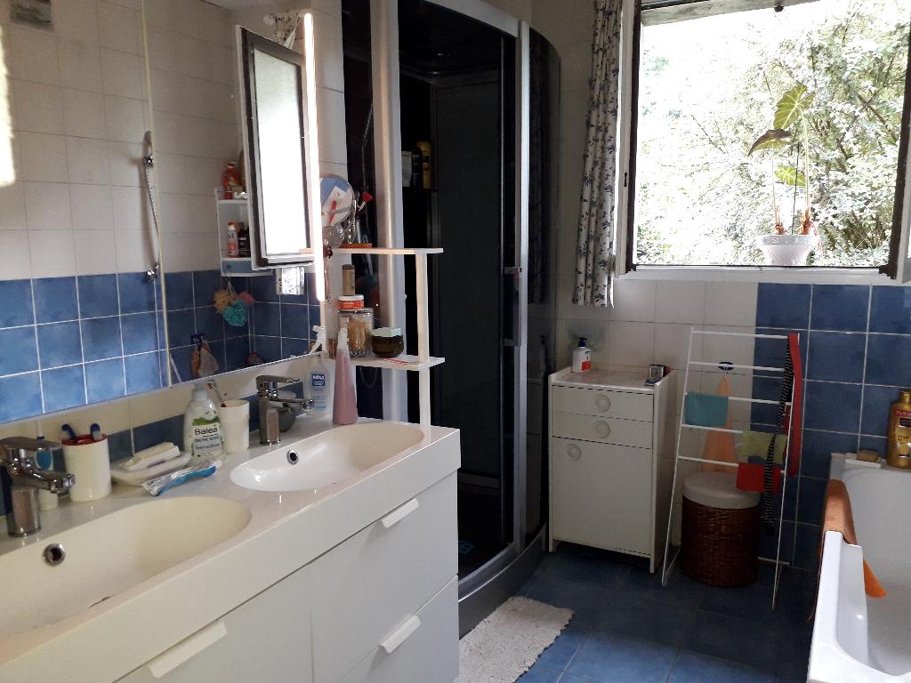 Maison à vendre - Maison familiale 6 chambres ou chambres d 'hôtes.