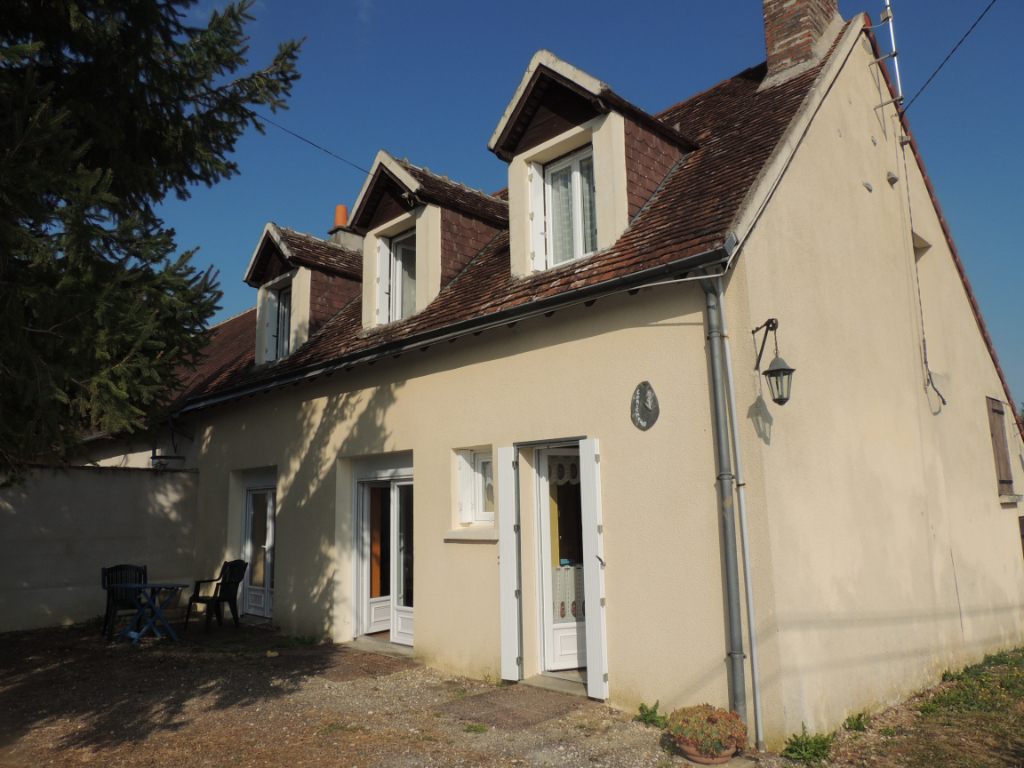 Maison à vendre - Maison à Valençay 81 m2 avec  jardin 1379 m².