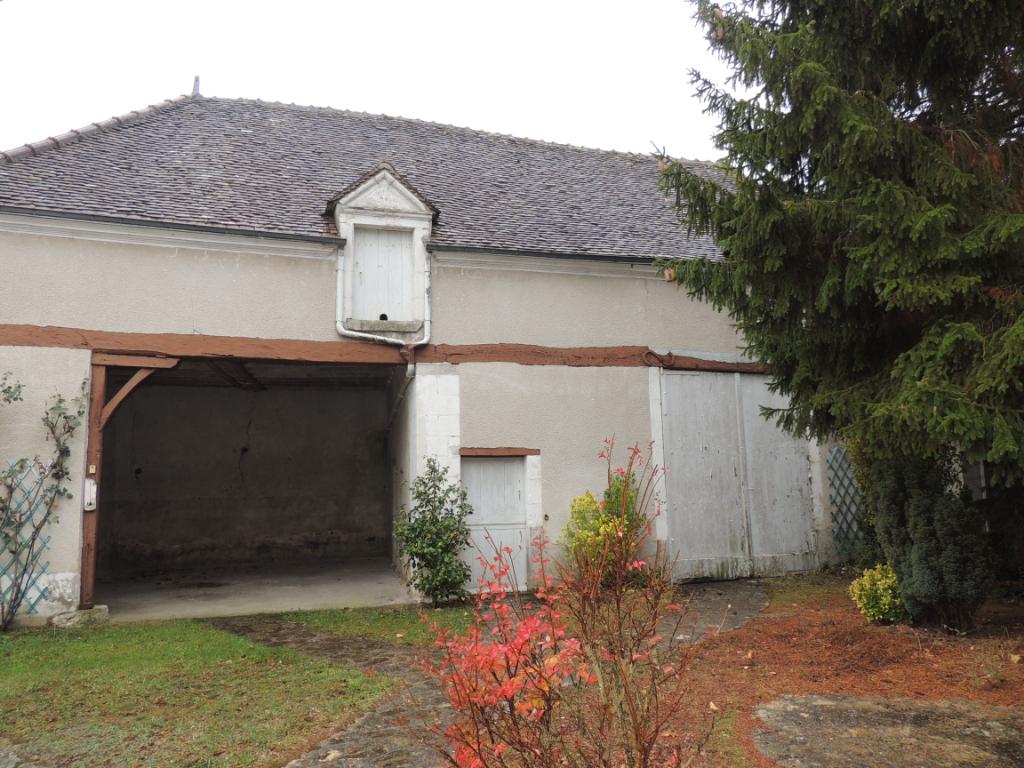 Maison à vendre - Maison de Bourg Chabris avec grange et terrain.