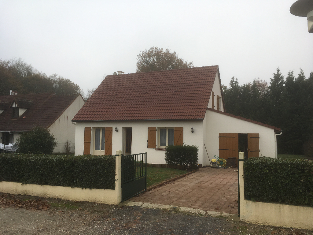 Maison 5 pièces - 4 chambres - MARCILLY EN GAULT
