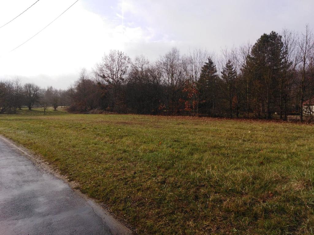 Terrain à vendre - Terrain constructible Gy En Sologne 3230 m².