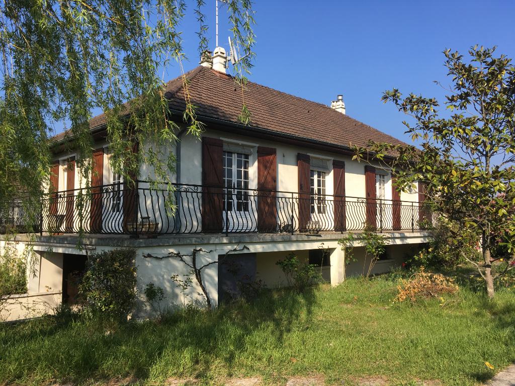 Maison 7 pièces - 5 chambres à vendre à ROMORANTIN LANTHENAY