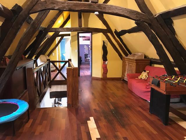 Maison à vendre - Propriété d'agrément sur 5 hectares avec Piscine