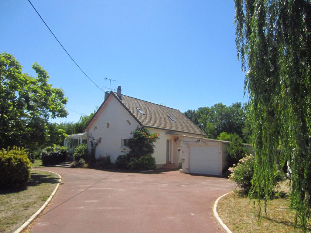 Maison à vendre - Maison à 2 km du centre ville de Selles sur Cher.